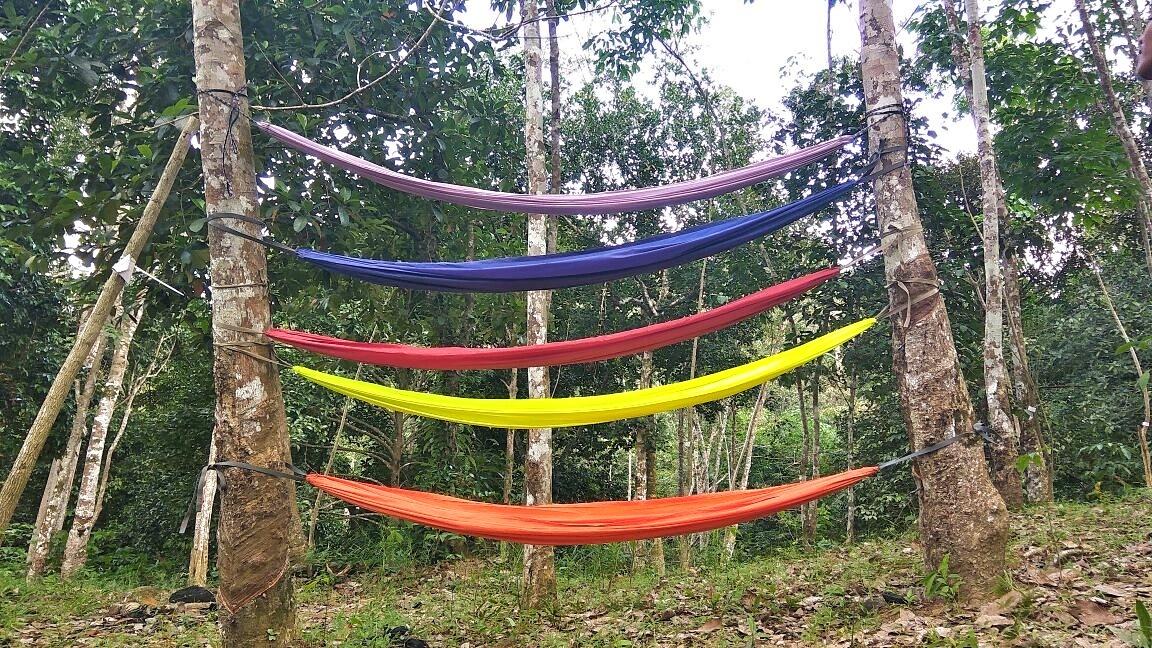 menggantung_hammock_di_taman_gunung_sari